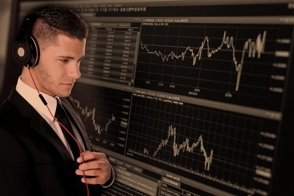 trade, businessman, business-2328525.jpg